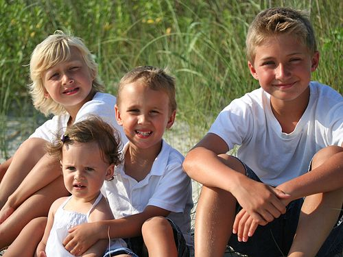 4 grandkids on beach