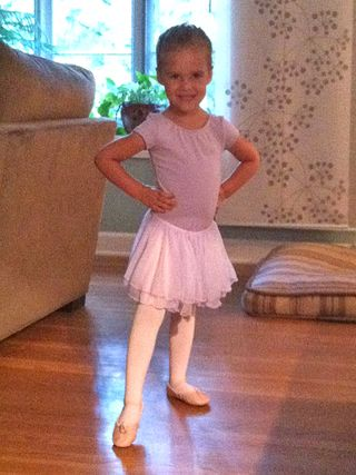 Molly's 1st ballet class - 09.13
